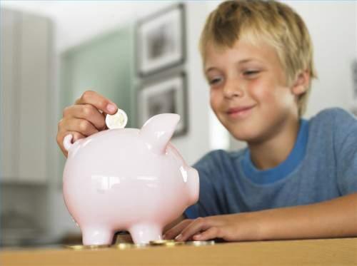 Как научить ребенка рационально относиться к деньгам