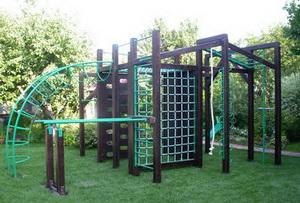 Зачем строить детскую спортивную площадку у себя во дворе?