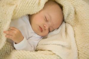 ребенок в одеяле