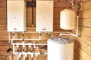 Автономная котельная для частного дома – это комплекс оборудования разного типа. Котел является генератором тепла, бойлер нагревает воду, а дымоход отводит наружу продукты сгорания.