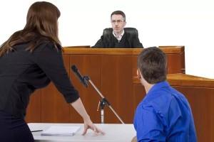 Когда можно не присутствовать в суде?